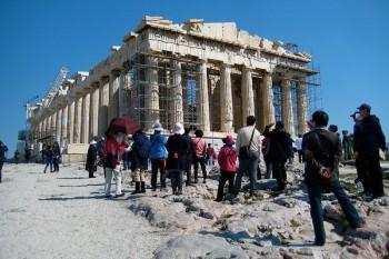 Tańsze wycieczki w kryzysie – czy warto jechać do Grecji latem 2012 roku?